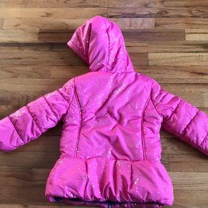 OshKosh B'gosh Jackets & Coats - EUC OshKosh Girls pink star winter coat size 4